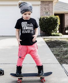 Everyday urban street wear for rad littles and their tribe. Skater Kid, Skater Girls, Little Boy Fashion, Kids Fashion, Tomboy Kids, S Girls, Boys, Boy Pictures, Children Photography