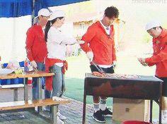Song Ji Hyo and Kim Jong Kook, Running Man ep. © on gif Runing Man, Ji Hyo Running Man, Kim Jong Kook, Ulzzang, Kdrama, Couple, Songs, Funny, Art