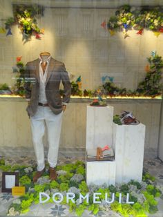 Here is our new and green shop window display ! #dormeuil #dormeuilmode #butterfly #spring