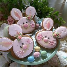 Bunny face cookies, so cute and expertly iced