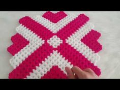 KOLAY KARE LİF YAPIMI - YouTube Crochet Wall Hangings, Blanket, Youtube, Farmhouse Rugs, Blankets, Cover, Comforters, Youtubers, Crochet Wall Art