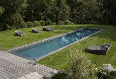 best pool landscaping ideas simple but wonderful page 15 Pool Spa, Garden Swimming Pool, Backyard Pool Landscaping, Backyard Pool Designs, Landscaping Ideas, Country Pool, Piscina Rectangular, Minimal House Design, Small Pools