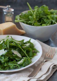arugula salad with simple lemon vinaigrette