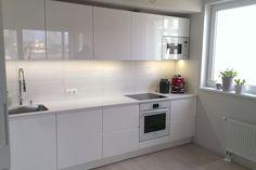 Белая глянцевая кухня «Модерн»