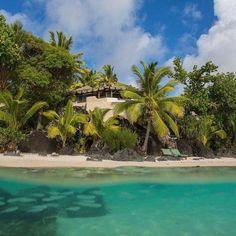 the 'Ultimate Beachfront Villa' at Pacific Resort Aitutaki is out of this world... ☀️😊🌴 #pacificresort #aitutaki #cookislands #villa #luxury #polynesia #hideaway #island #paradise #lux #kiaorana