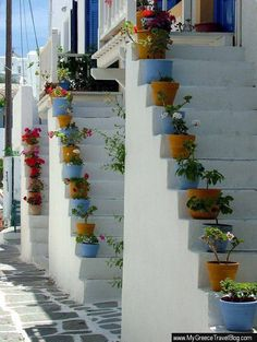Stairs in Paros island ,Greece Paros Greece, Santorini Greece, Mykonos, Greece Pictures, Paros Island, Greece Islands, Beautiful Places To Visit, Greece Travel, Outdoor Gardens