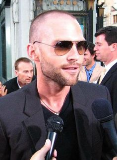 ACTORS SHAVED HEAD | Seann William Scott | Proving that it's not about the hair, but the skin, the look, the attitude.