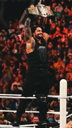 New WWE World Heavyweight Champion Roman Reigns - RAW 12/14/15