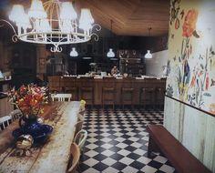 warm on winter #antique #usa #cafe #interrior #kitchen #bakerykitchen #cookingtime #cookingismypassion #wildyeast #tresleches #sandwiches #catering #baking #dough