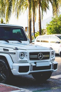 Mercedes Benz G Wagon Inspiration For You Mercedes G Wagon, Mercedes G Class, Mercedes Benz Trucks, White G Wagon, My Dream Car, Dream Cars, Mercedes Benz Wallpaper, G 63 Amg, Mercedez Benz
