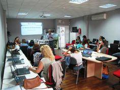 Formación a empresarios de Yunquera (Málaga) sobre las herramientas que Andalucía.org ofrece a los profesionales del turismo de Andalucía.