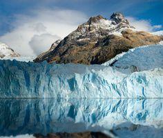 Der Upsala-Gletscher ist einer der drei großen Gletscher, die sich in Los Glaciares Nationalpark in Argentinien befinden. Er mündet in den Lago Argentino.