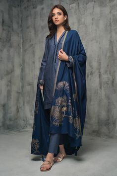 How To Wear Kimono In Winter Fashion Show Trendy Ideas Pakistani Dresses Casual, Pakistani Dress Design, Indian Dresses, Indian Outfits, Stylish Dresses, Simple Dresses, Nice Dresses, Casual Dresses, Fashion Dresses