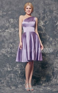 Noble One Shoulder Pleated Short Satin Bridesmaid Dress. #short #purple  Our bridesmaid dress allows you to dibble and dabble in wedding chic while the green color makes it perfectly edgy for bridesmaid dress style! #DorisWedding.com