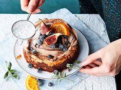 Suloisen makeaa marengilla kuorrutettua suklaakakkua riittää pienikin pala. Gluteenittoman herkun maustaa appelsiini.