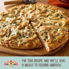 Pinner says: Chicken hummus pizza - use hummus instead of pizza sauce. Amazingly healthy, easy, and sooooo good. Best homemade pizza I've ever tasted. Includes easy pizza crust recipe too. Hummus Pizza, Pizza Pizza, Pizza Dough, Pizza Recipes, Chicken Recipes, Cooking Recipes, Healthy Recipes, Recipe Chicken, Garlic Chicken