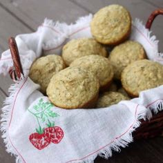 Lightly sweet and loaded with omega fats and protein these oatmeal and hemp heart muffins are a delightful and easy breakfast for mornings on the go. Oats Recipes, Muffin Recipes, Baby Food Recipes, Snack Recipes, Heart Healthy Recipes, Healthy Snacks, Yummy Treats, Sweet Treats, Hemp Hearts
