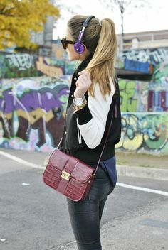 Scent of Obsession - #FashionBlogger daily style, travels and style tips : #VARSITY #JACKET