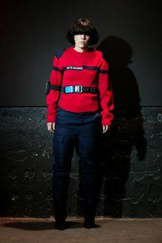 Anstatt Trends zu folgen, will die Design-Crew von Vetements lieber Kleidung machen, die ihr selbst gefällt.