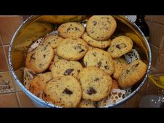 YouTube Chocolate Chip Cookies, Muffin, Chips, Breakfast, Food, Youtube, Morning Coffee, Potato Chip, Essen