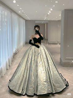 Royal Dresses, Quince Dresses, Gala Dresses, Ball Gown Dresses, Evening Dresses, Ball Gowns Fantasy, Fantasy Dress, Princess Ball Gowns, Princess Wedding Dresses