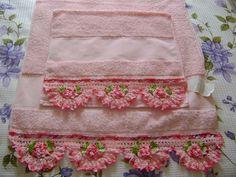 100%  algodão! Toalha de banho e rosto acabamento em croche R$120,00