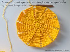 Diandra Arte em Crochê: PAP- TRILHO DE MESA RAIO DE SOL Crochet Doily Diagram, Crochet Doilies, Knitted Hats, Crochet Hats, Crochet Tablecloth, Yellow Pattern, Diy And Crafts, Create Your Own, Projects To Try
