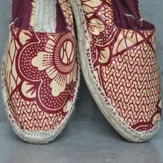 www.cewax.fr aime ces chaussures en pagne wax africain, afro tendance, style…