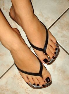 Fall Toes! If you have a toenail fungus problem, come to Beautiful ...