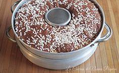 Ciambellone bianco e nero con fornetto Versilia Sweet Cooking, Chiffon Cake, Biscotti, Tiramisu, Food To Make, Cooker, Cheesecake, Muffin, Good Food