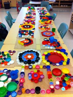 Recycled Lids and Bottle Caps Collaborative Art Project Ideas for kids — ROWDY. art projects for kids bottle caps Recycled Lids and Bottle Caps Collaborative Art Project Ideas for kids — ROWDY. Bottle Cap Art, Bottle Cap Crafts, Recycled Art Projects, Upcycled Crafts, Recycled Materials, Kindergarten Art, Preschool Art, Sand Art For Kids, Group Art Projects