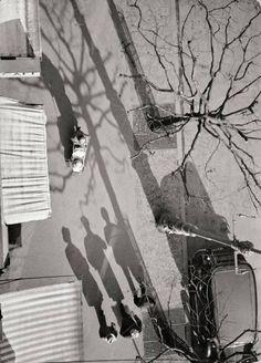 Paul Wolff  - Untitled (Frankfurt/Main: Sidewalk - View from Above), 1933-1945