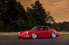 Slammed Porsche 911