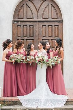 chic and special wedding color inspiration with mixing and matching canyon rose for fall and winter wedding Wine Bridesmaid Dresses, Lavender Bridesmaid, Affordable Bridesmaid Dresses, Bridesmaid Dress Colors, Brides And Bridesmaids, Dusty Rose Wedding, Red Wedding, Wedding Colors, Merlot Wedding