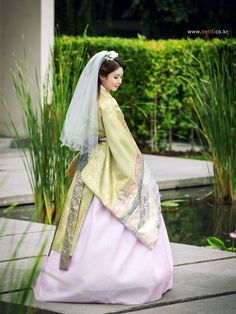 Check out these spring korean fashion 04965 Korean Traditional Dress, Traditional Fashion, Traditional Dresses, Korean Dress, Korean Outfits, Korean Fashion Trends, Asian Fashion, Korean Wedding Traditions, Orientation Outfit