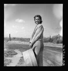 Dorothea Lange, In a migratory camp. California