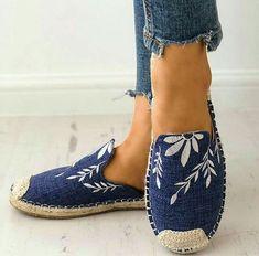 9e31fa495509 Plus Size Sandals Women Magic Tape Flat Heel Thong Shoes – Mollyca