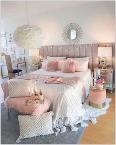 39 Pretty Teen Bedroom Design Ideas For Valentines Day To Try - homesbrowser Teen Bedroom Designs, Bedroom Decor For Teen Girls, Cute Bedroom Ideas, Cute Room Decor, Room Ideas Bedroom, Dream Bedroom, Bedroom Furniture, Shabby Bedroom, Teen Rooms