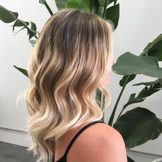 Natural roots blended to bright creamy ends Achieved with #highlights and some freehand #balayage. Hair by @haylee_edwardsandco. #edwardsandco #edwardsandcobyronbay