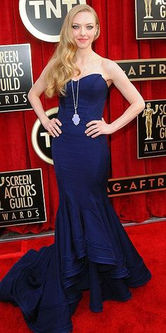 Screen Actors Guild Awards 2013: Amanda Seyfried in a Zac Posen mermaid gown and a vintage inspired Lorraine Schwartz pendant