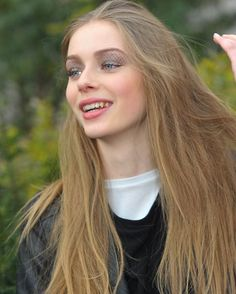 Mannequins hors défilés #laurendegraaf @laurendegraafdaily @laurenjdg  www.photosfashion.com  #baindelumiere #models #supermodels #portrait #photoshoot #photographerportrait #pfw #fashionweekparis #beautifulwomen