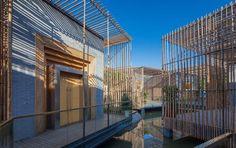 Bamboo courtyard by HWCD, Yangzhou   China store design