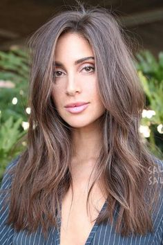 60 Super Chic Hairstyles for Long Faces to Break Up the Length Long Side-Parted Cut with Razored Layers Long Face Haircuts, Long Layered Haircuts, Cool Haircuts, Popular Haircuts, Haircut For Long Face, Long Haircuts For Women, Long Layered Bangs, Framed Face Haircut, Long Face Short Hair
