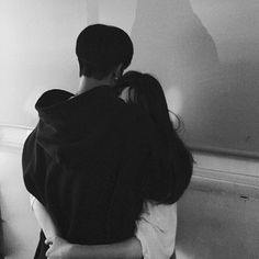 Sometimes a hug from your love is all you need to feel better ulzzang girl Couple Ulzzang, Ulzzang Girl, Cute Relationship Goals, Cute Relationships, Couple Goals Tumblr, Tumblr Cute Couple, Parejas Goals Tumblr, Couple Goals Cuddling, Couple Aesthetic