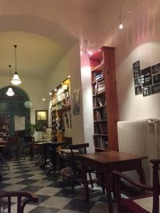 Massolit café: a true hidden gem of Budapest #spot #budapest #bookstore #books #food #lifestyle
