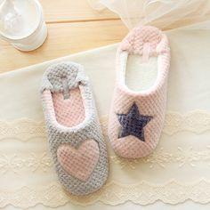 闺蜜系列超柔绒星星爱心保暖室内家居拖鞋 菠萝纹拼色室内家居鞋