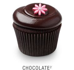 Valrhona chocolate cupcake with a whipped Callebaut chocolate frosting topped with a fondant flower: Amazing cupcakes at Georgetown Cupcakes, yummyyyyy Callebaut Chocolate, Valrhona Chocolate, Chocolate Ganache Frosting, Caramel Frosting, Chocolate Cupcakes, Vanilla Frosting, Frost Cupcakes, Square Cupcakes, Yummy Cupcakes