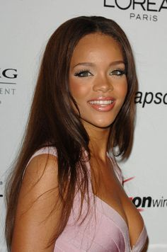 Rihanna Graceful Premier Natural Long Straight Lace Front Wig Human Hair about 20 Inches can be purchased from Online Store with Discount Codes and Coupon Vouchers. Cheap Human Hair Wigs, Cheap Wigs, Remy Human Hair, American Girls 3, Wig Hairstyles, Straight Hairstyles, Rihanna Hairstyles, Young Rihanna, Rihanna Makeup