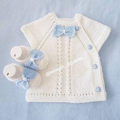 Most Popular Baby Vest Knitting Patterns of All Time Baby Knitting Patterns, Knitting For Kids, Crochet For Kids, Baby Patterns, Knit Crochet, Crochet Patterns, Cardigan Bebe, Pull Bebe, Baby Cardigan Knitting Pattern