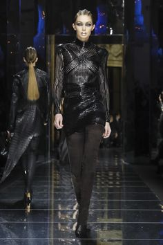 Watch the livestream of the Balmain show ready-to-wear collection Fall/Winter 2017 from Paris.